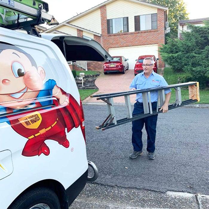 electrician-sydney-attending-job
